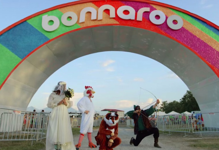 mumford-sons-the-wolf-video-bonnaroo